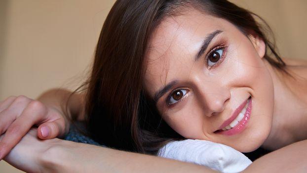 Photo free Leon, brunette, cute face