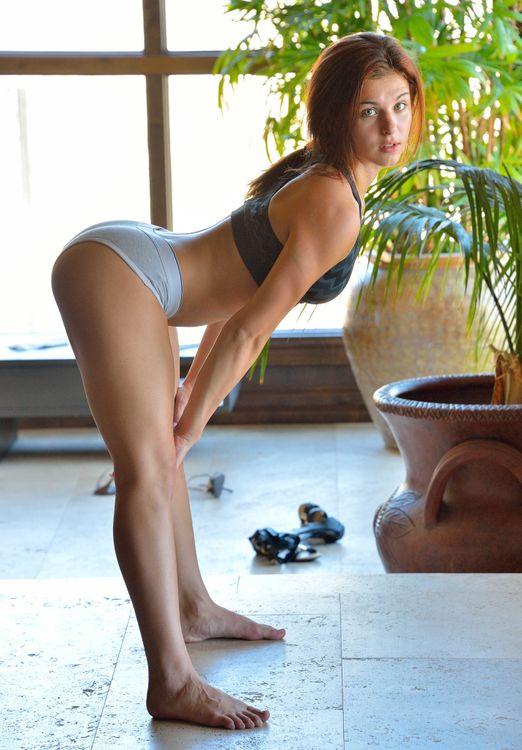 Фото бесплатно Jessica Robbin, стоя раком, гимнастика, нижнее белье, фигура, сексуальная, девушка, прекрасная, косичка, эротика