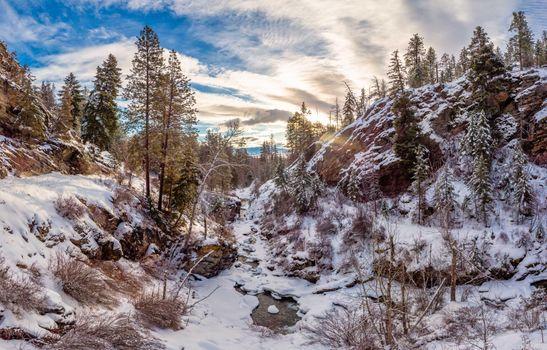Photo free Winter along the Creek Kootenai, Montana, landscape