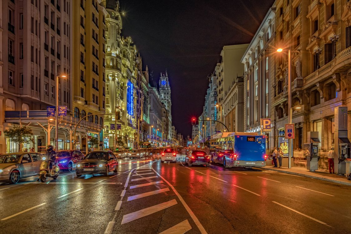 Обои Gran Via, Madrid, Spain картинки на телефон
