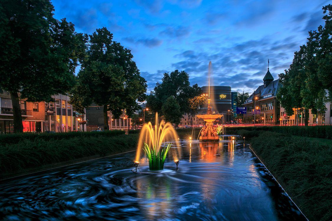Фото бесплатно Арнем, Нидерланды, город, дома, бассейн, фонтан, деревья, городской пейзаж, город