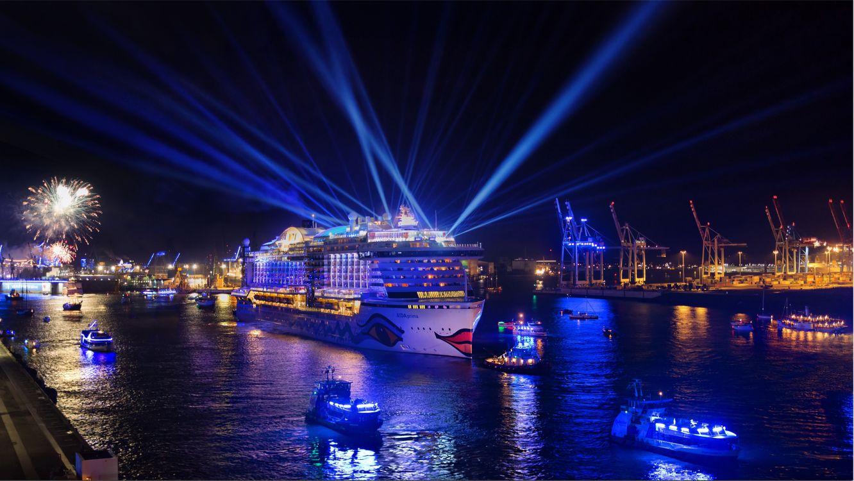 Фото бесплатно Гамбургские дни круиза, Гамбург, Германия, порт, корабль, иллюминация, ночь, ночные города, корабли - скачать на рабочий стол