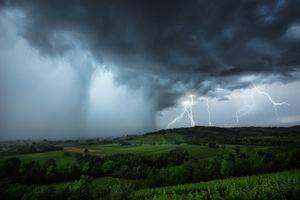 Бесплатные фото непогода,тучи,шторм,молния,гроза,небо,холмы
