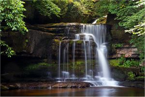 Фото бесплатно Cauldron Falls, West Burton, Yorkshire Dales National Park