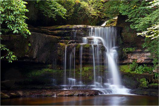 Фото бесплатно Cauldron Falls, West Burton, Yorkshire Dales National Park