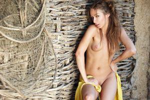 Бесплатные фото Darina B,красотка,голая,голая девушка,обнаженная девушка,позы,поза