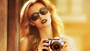 Kendall в роли фотографа