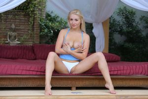 Бесплатные фото Isabella D,голая,голая девушка,обнаженная девушка,позы,поза,сексуальная девушка