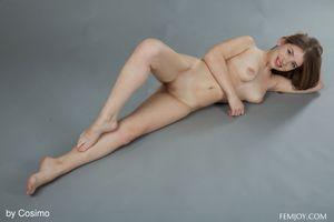 Бесплатные фото Verona J,красотка,голая,голая девушка,обнаженная девушка,позы,поза