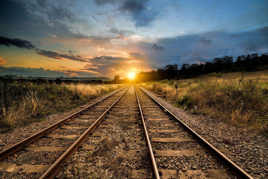 Фото бесплатно закат солнца, железная дорога, солнечные лучи - на рабочий стол