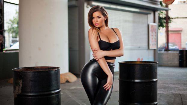 Photo free Anastasiya Kvitko, brunette, curvy