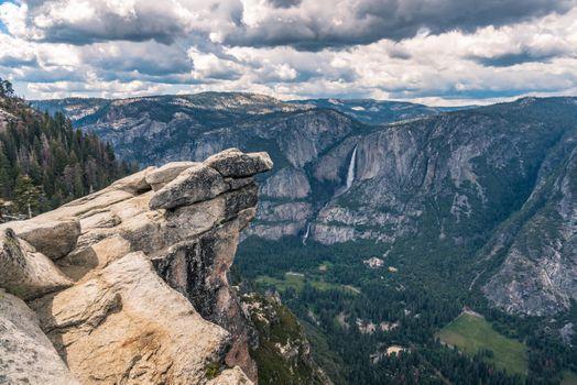 Бесплатные фото Yosemite Falls,Yosemite National Park,California,скалы,небо,облака,горы,природа,пейзаж