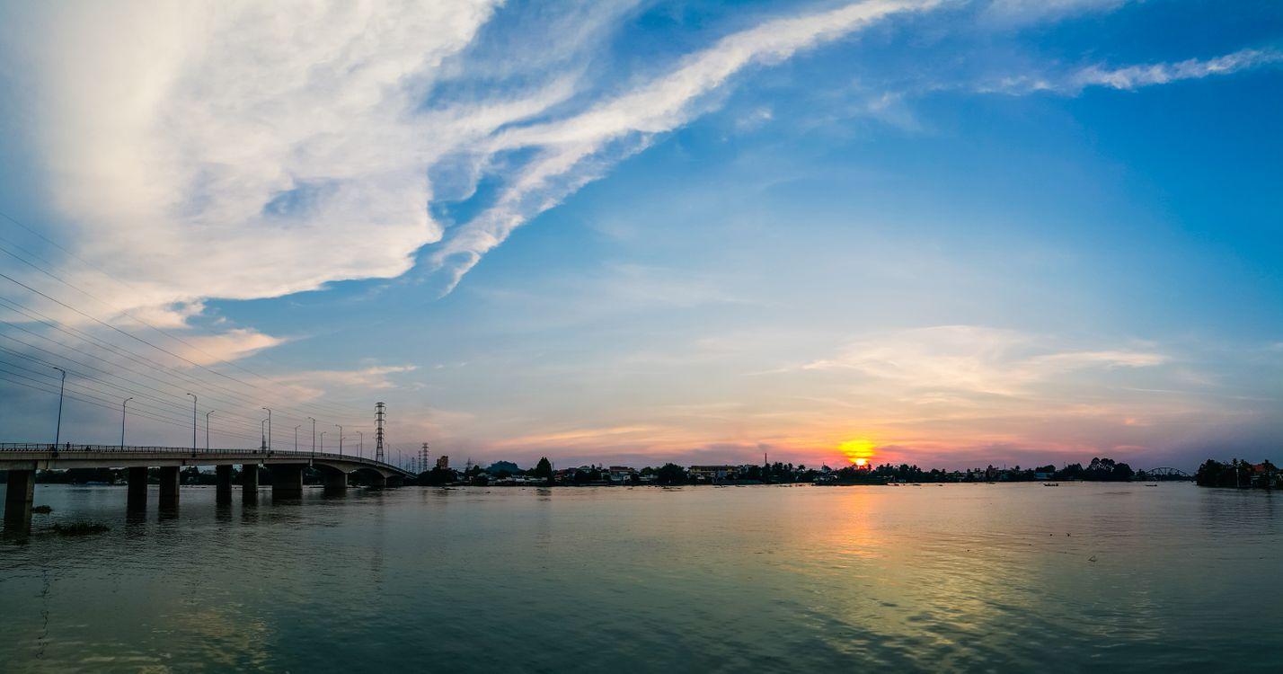Обои река, небо, горизонт, воды, размышления, водный путь, облако, послесвечение, закат солнца, спокойствие, море, рассвет, восход, вечер, утро на телефон | картинки пейзажи