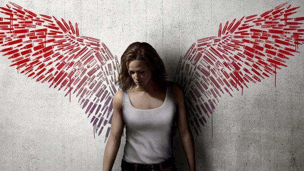 Фото бесплатно Дженнифер Гарнер, футболка, красные крылья