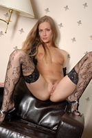 Фото бесплатно SANDRA, красотка, голая, голая девушка, обнаженная девушка, позы, поза, сексуальная девушка, эротика, Nude, Solo, Posing, Erotic
