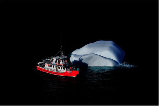 Photo free the excursion boat, a small iceberg, Newfoundland and Labrador