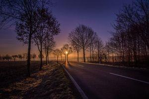 Фото бесплатно закат, дорога, поле, деревья, солнце, пейзаж, сумерки