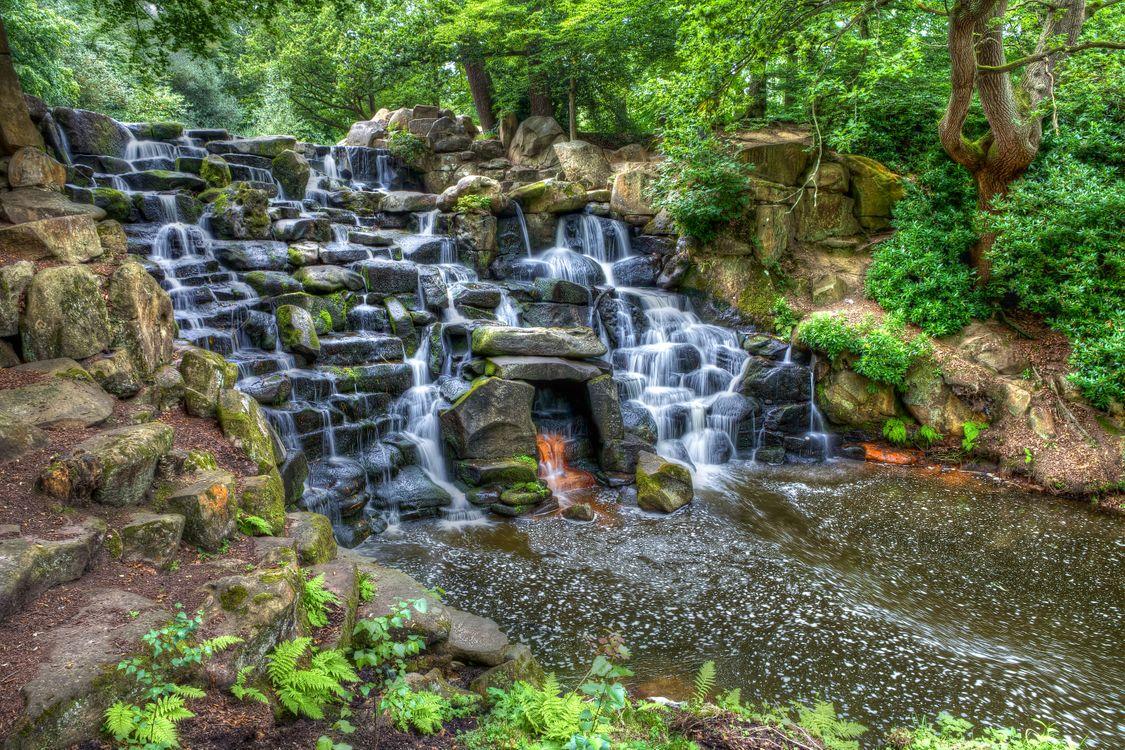 Обои Fireplace waterfall, Cowarth Park, London картинки на телефон