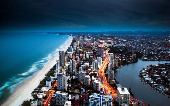 Фото бесплатно побережье, дома, небоскребы, ночь, вечер, пляж, город, золотой