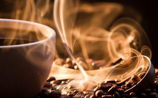 Фото бесплатно зерна, кофе, чашка, аромат, пар, горячие напитки
