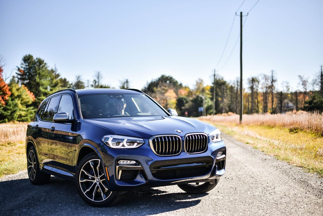 Обои BMW X3, владелец, деревня картинки на телефон