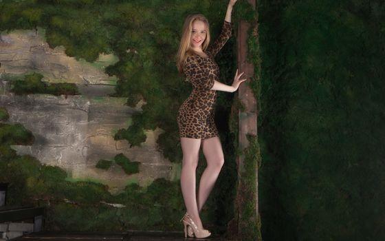 Заставки Лола Чик, очаровательны, мило в платье