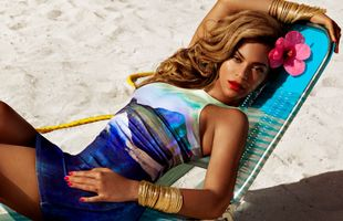 Photo free Beyonce, singer, on the beach