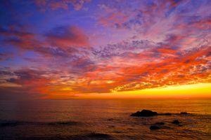 Солнце зашло за морской горизонт