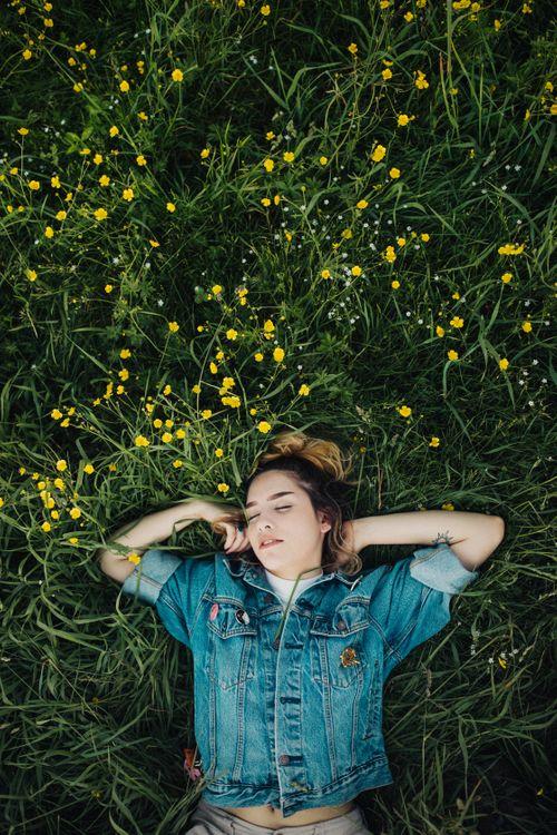 Фото бесплатно девушка, женщина, лето, человек, джинсовая ткань, джинсовая куртка, синий джинсовый пиджак - на рабочий стол