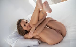 Photo free legs up, pussy, tanned