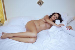 Фото бесплатно Алина, молодая, позирует