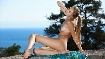 Photo free legs, breast, Nude