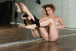 Бесплатные фото Dakota Burd, красотка, голая, голая девушка, обнаженная девушка, позы, поза