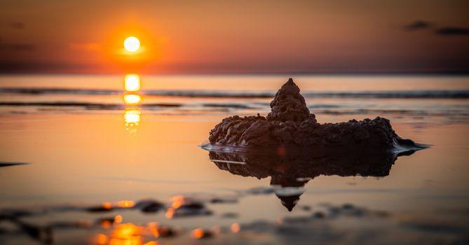 Бесплатные фото пляж,рассвет,смеркаться,вечер,озеро,пейзаж,легкий,океан,на открытом воздухе,размышления,песок,замок из песка