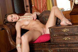 Заставки Sabyne A, красотка, голая, голая девушка, обнаженная девушка, позы, поза, сексуальная девушка, эротика, Nude, Solo, Posing