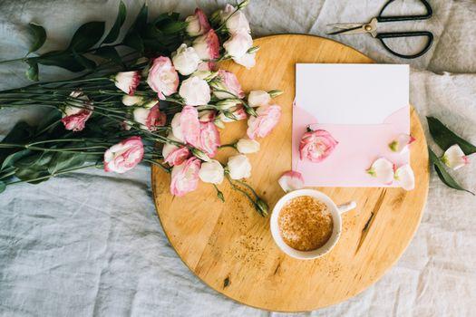 Фото бесплатно завтрак, кофе, букет