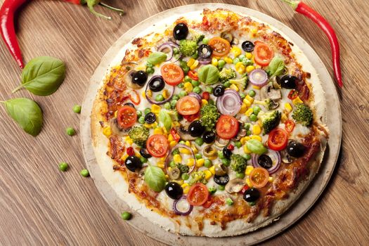 Picturesque pizza · free photo