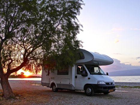 Заставки пляж, закат солнца, автомобиль