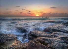Photo free waves, sunset, rocky shore