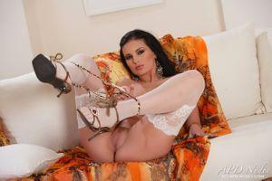 Бесплатные фото Mili Jay,красотка,голая,голая девушка,обнаженная девушка,позы,поза