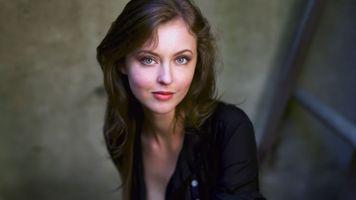 Красивая шатенка Кэтрин Изабель · бесплатное фото