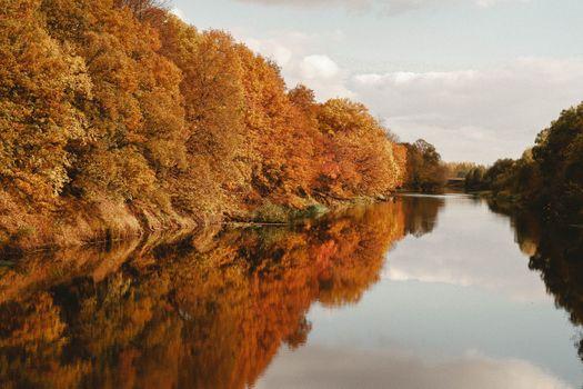 Бесплатные фото Река,осень,Деревья