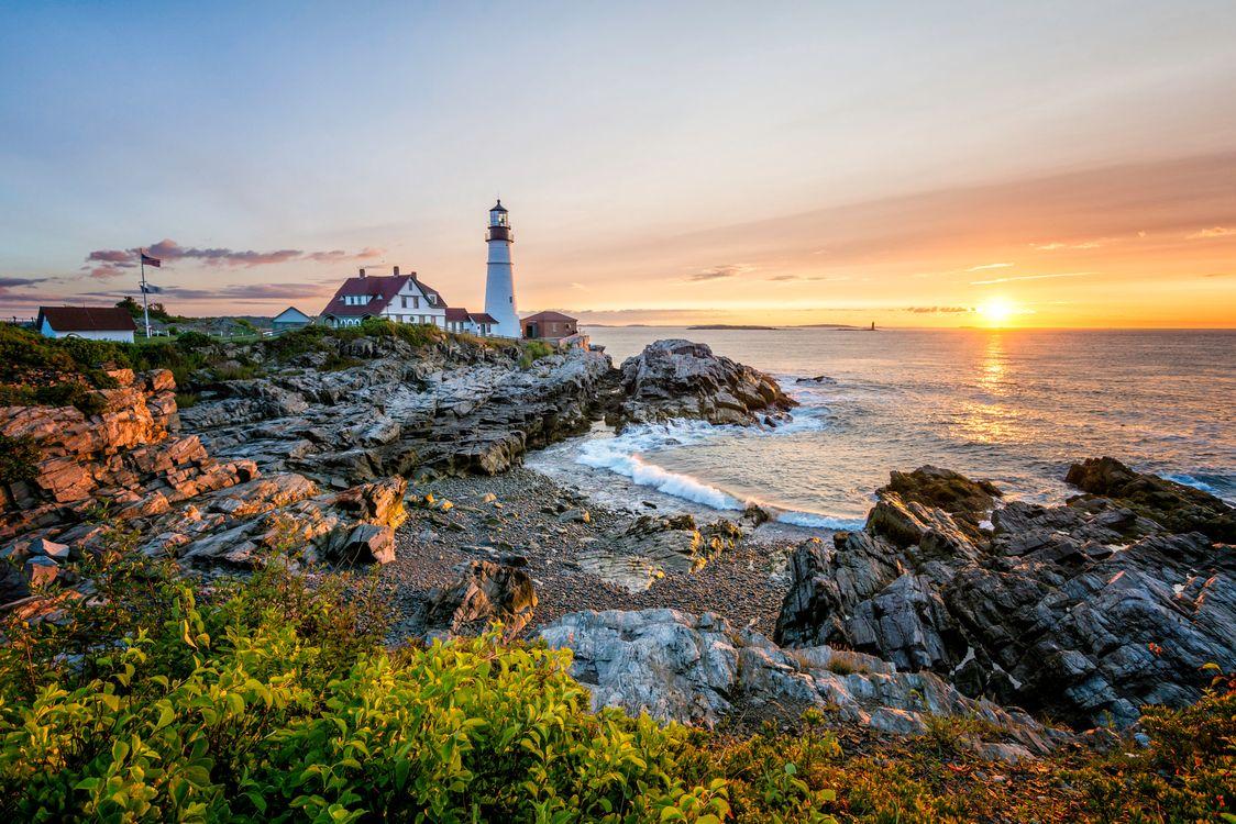 Обои Portland Head Lighthouse, Cape Elizabeth, Maine закат картинки на телефон