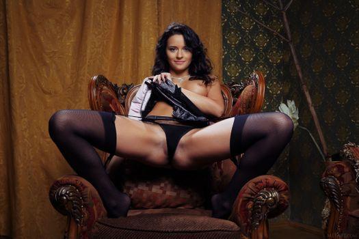 Бесплатные фото Ardelia A,Alina,Alina P,красотка,голая,голая девушка,обнаженная девушка,позы,поза,сексуальная девушка,эротика,Nude