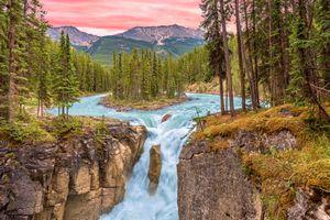 Бесплатные фото Sunrise at Sunwapta Falls,Jasper National Park,Alberta,Восход солнца в водопаде Санвапта,Национальный парк Джаспер,Альберта,Канада