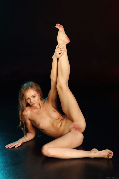 Фото бесплатно Andrea Sixth, красотка, голая, голая девушка, обнаженная девушка, позы, поза, сексуальная девушка, эротика, Nude, Solo, Posing, Erotic, фотосессия, эротика