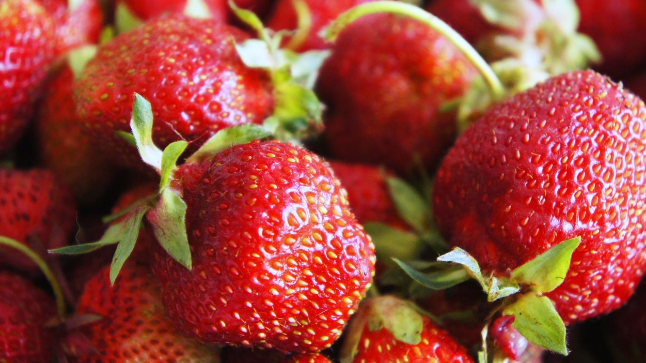 Photos for free strawberries, fruits, close - to the desktop