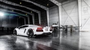 Фото бесплатно Lamborghini Aventador, гараж, суперкары