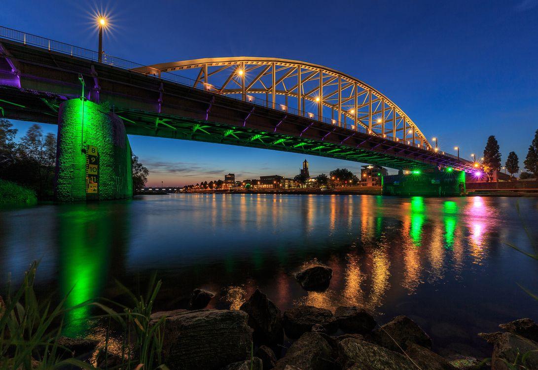 Фото бесплатно Мост Джона Фроста, Арнем, Рейнский мост, Рейн, Гельдерланд, Нидерланды, сумерки, иллюминация, город