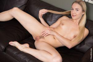 Бесплатные фото Alecia Fox,красотка,голая,голая девушка,обнаженная девушка,позы,поза